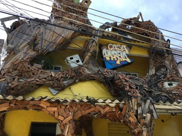Casa Amarela favela Providencia